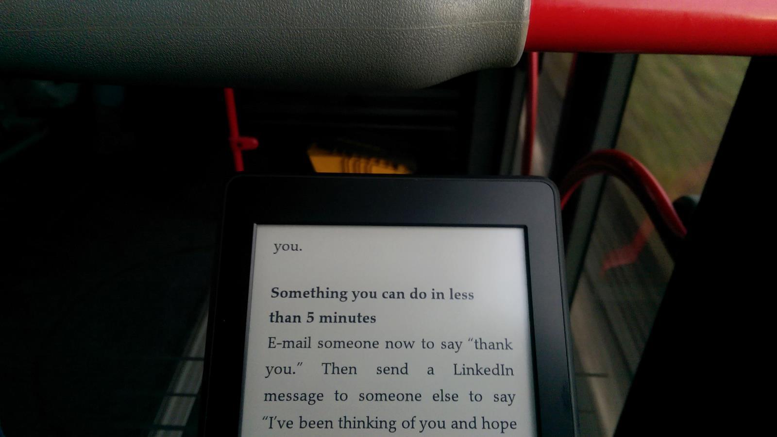 Lesen im Bus